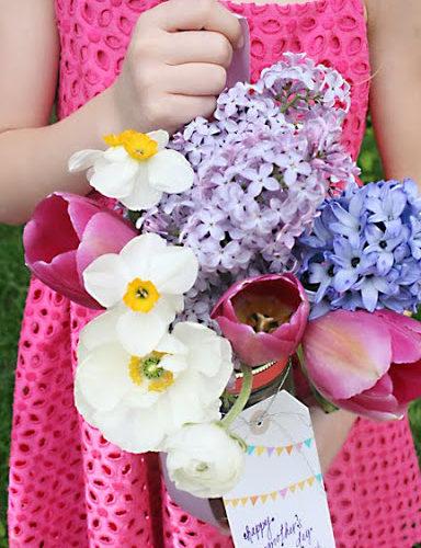 May Flower Door Baskets + Printable Flag Garland Freebie